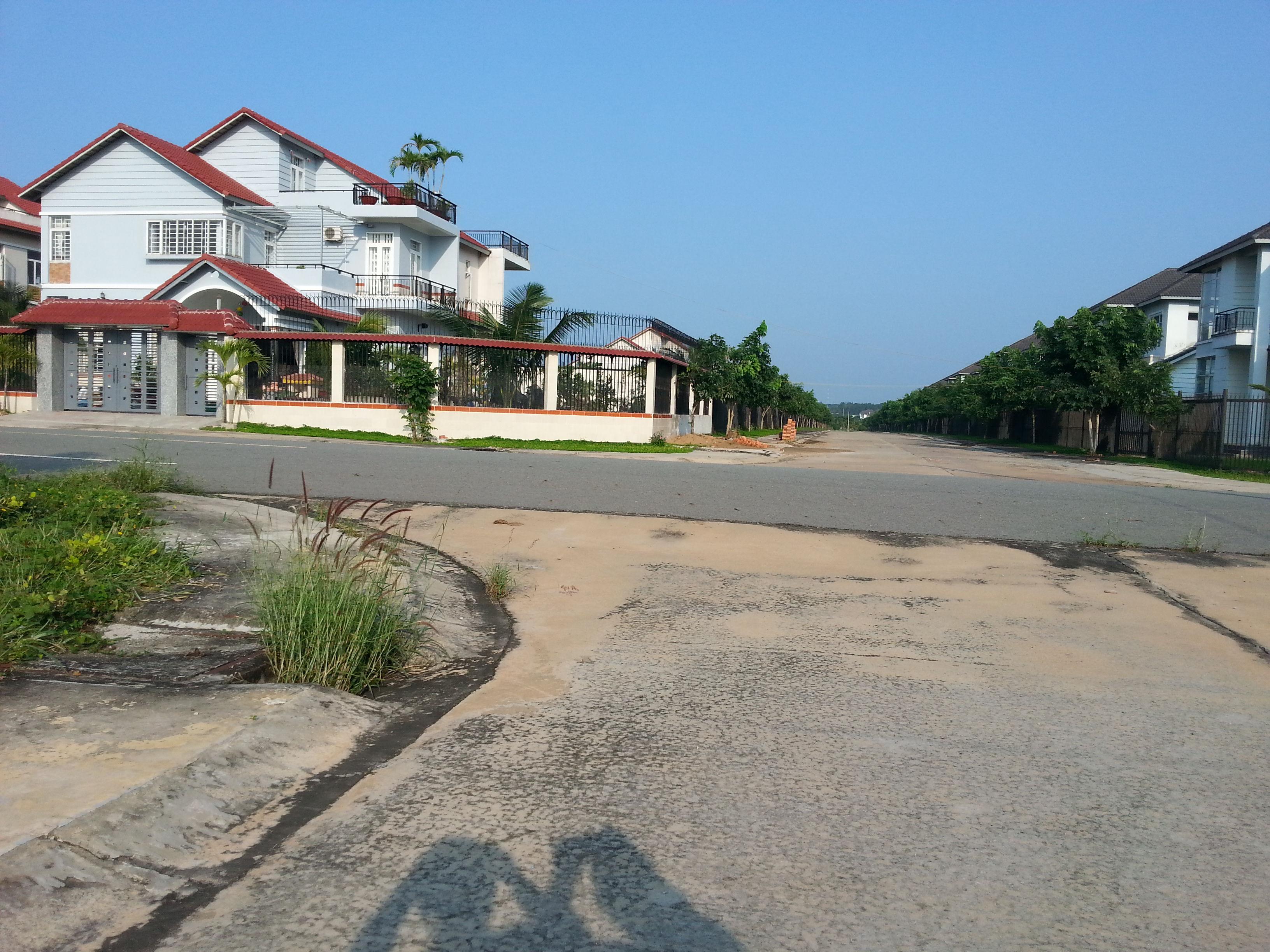 Bán lô I13 Mỹ Phước 3 đối diện trường học và công viên
